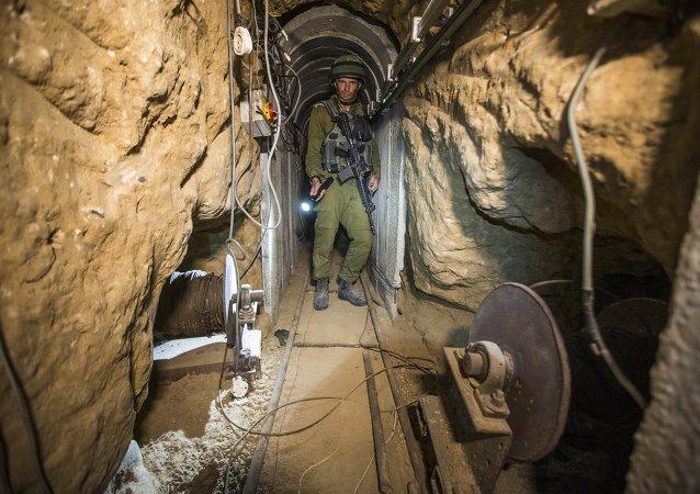 Israeli Tunnel
