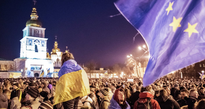 Participants of a rally in support of Ukraine's European integration at Mikhaylovskaya Square in Kiev