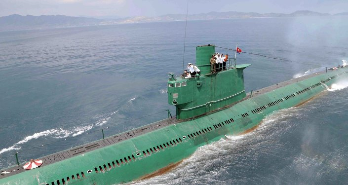 North Korea has lost contact with one of its submarines off the east coast of the country, CNN reports citing US officials.
