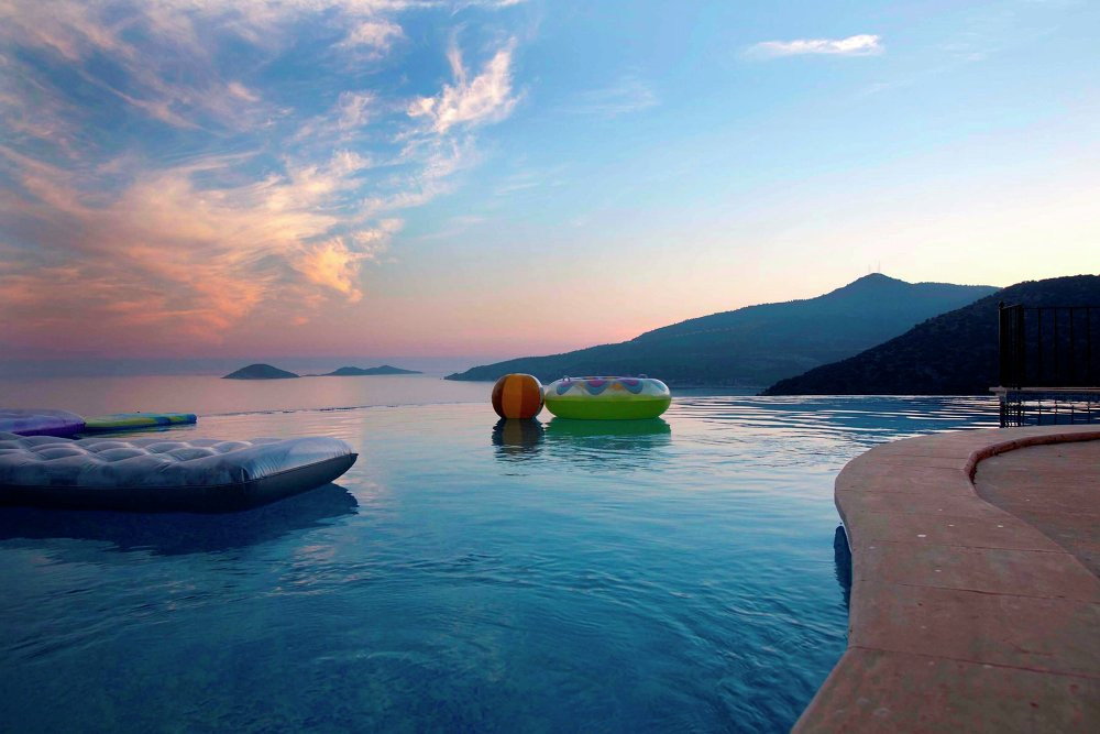 Summer is Coming: Swimming Pools That Extend to Infinity and Beyond