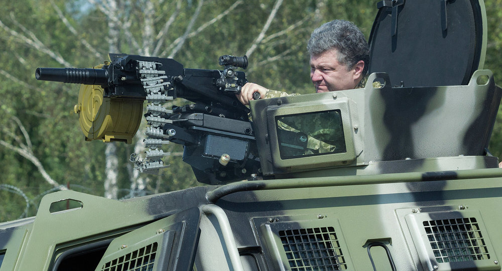 Petro Poroshenko visits First operational brigade of National Guard near Kiev