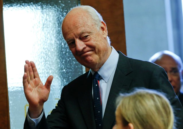 United Nations Special Envoy for Syria, Staffan de Mistura arrives for a news conference at the United Nations European headquarters in Geneva, Switzerland, May 5, 2015