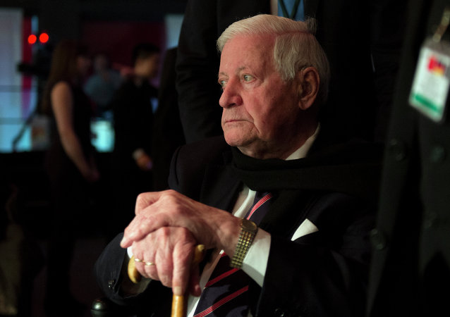 Former German chancellor Helmut Schmidt attends a speech by the Chinese President at the Koerber Foundation in Berlin