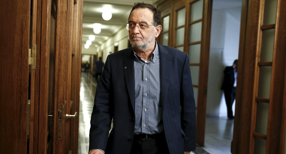Minister of Productive Reconstruction, Environment and Energy Panagiotis Lafazanis arrives for a cabinet meeting at the parliament in Athens May 12, 2015