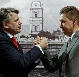 The chief executive officer of Shell concern Ben van Berden (at the left) and the chairman of the board, the vice-chairman of board of directors of JSC Gazprom Alexey Miller after signing of the memorandum - a road map about the third technological line of the Sakhalin-2 project