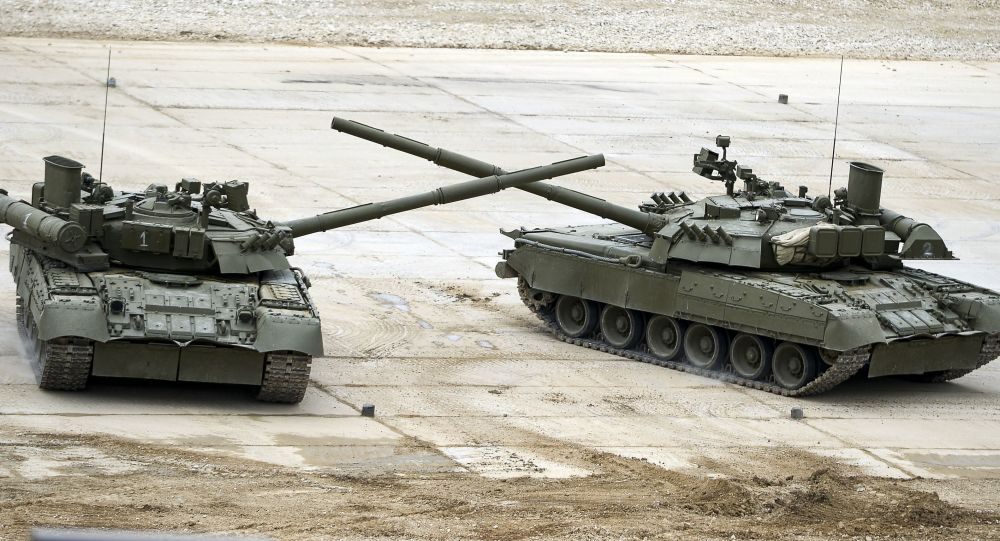 T-72B3 tanks during a show at the ARMY 2015 International Military-Technical Forum