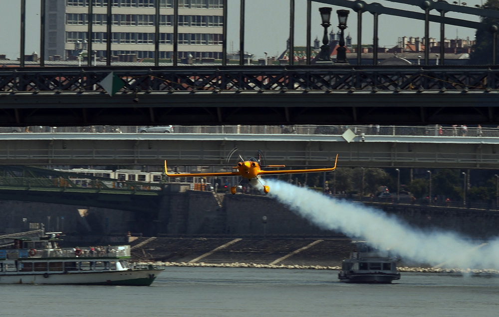 Dancing Through the Sky: Best Moments of Red Bull Air Race in Budapest