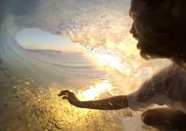 GoPro: CJ Hobgood's Winning Wave - GoPro Challenge Fiji
