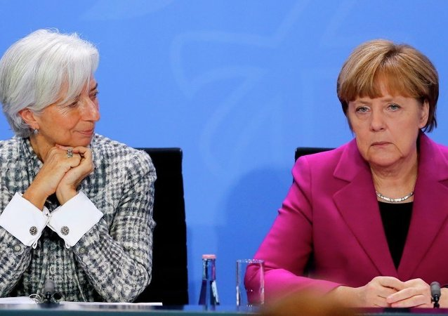 German Chancellor Angela Merkel, right, and Christine Lagarde, Managing Director of the International Monetary Fund