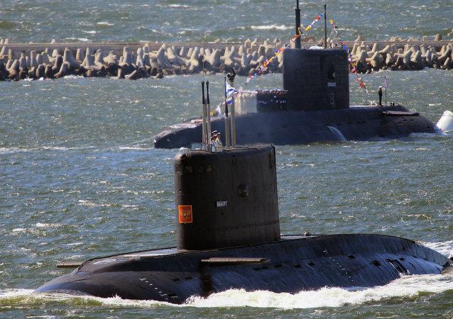 The submarines Vyborg, foreground and Stary Oskol
