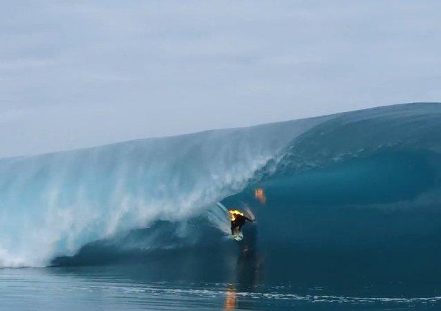 Jamie O'Brien Surfs Teahupo'o on Fire