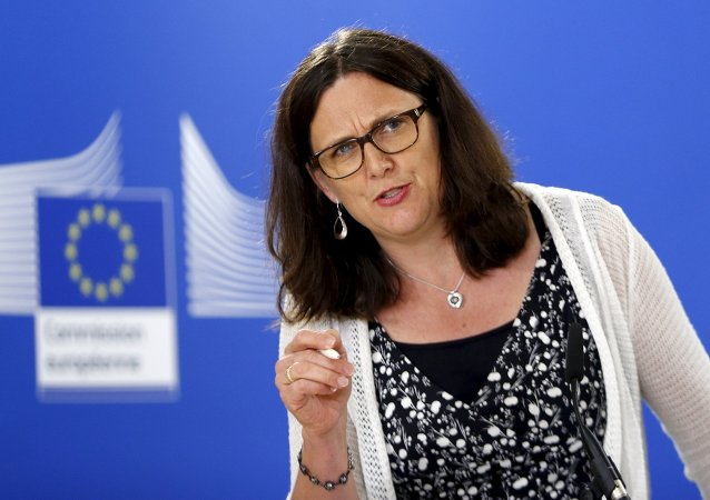 European Trade Commissioner Cecilia Malmstrom addresses a news conference at the EU Commission headquarters in Brussels, Belgium, August 4, 2015