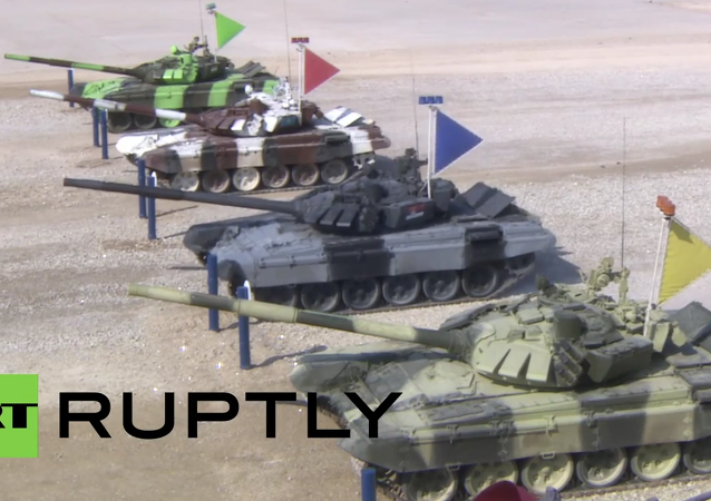 Russia: Tank Biathlon 2015 semi-finals held outside Moscow