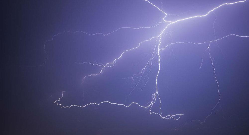 Lightning Strikes Leave 18 People 21 Bovines Dead in India & Lightning Strikes Leave 18 People 21 Bovines Dead in India ...