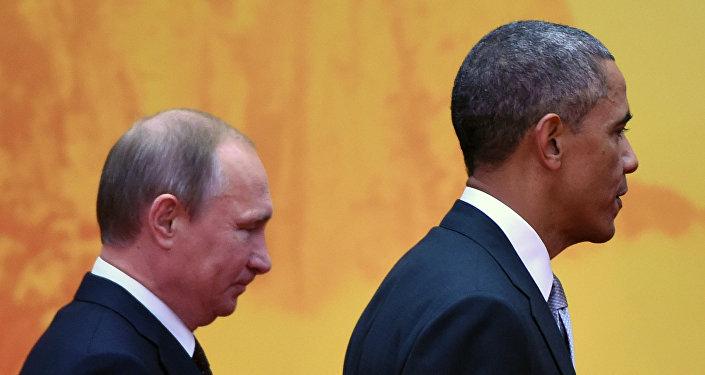 US President Barack Obama and Russian President Vladimir Putin (L)