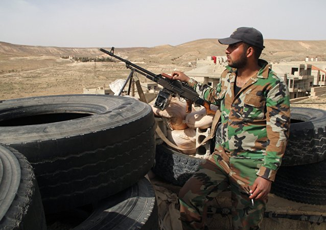 Syrian army soldiers at a checkpoint