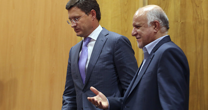 Russian Energy Minister Alexander Novak, left, and Iranian Oil Minister Bijan Zanganeh