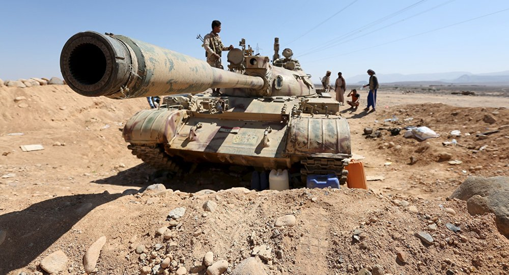A tank used by fighters loyal to Yemen's government is pictured at the frontline of the fighting against Houthi rebels in Yemen's northern province of Marib November 8, 2015.