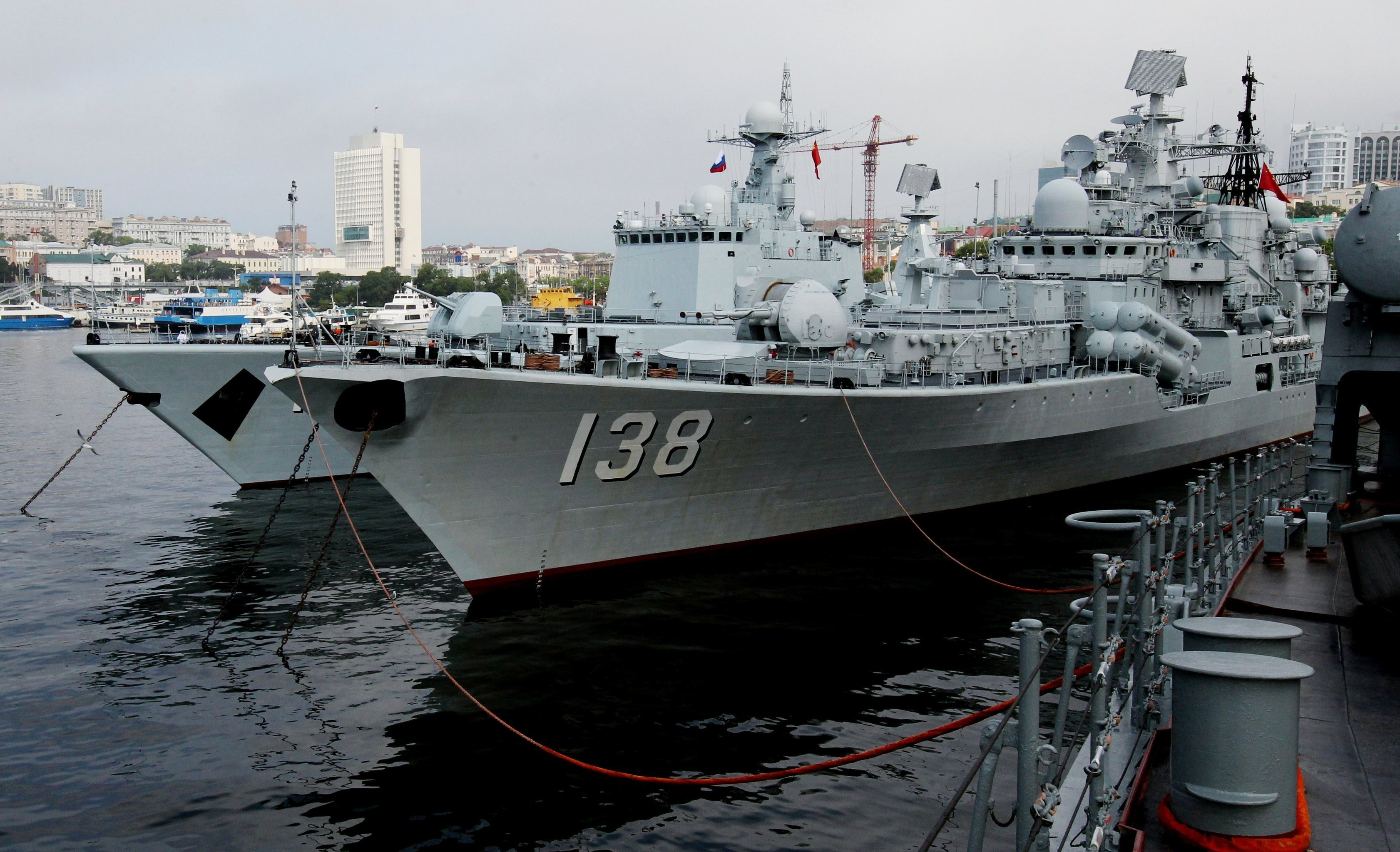 The destroyers Shenyang and Taizhou that have arrived in Vladivostok for the second stage of the Naval Cooperation 2015 exercise.