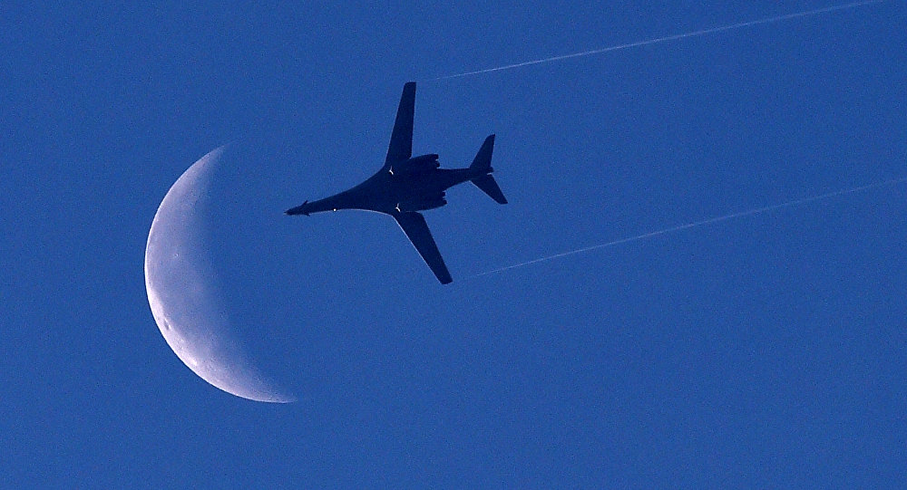 US Air Force B-1 Lancer bomber flies above the Syrian town of Kobane