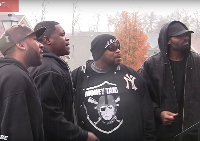 BROTHERS BRING THE HOOD TO THE 'BURBS AT CHRISTMAS - PRANK!