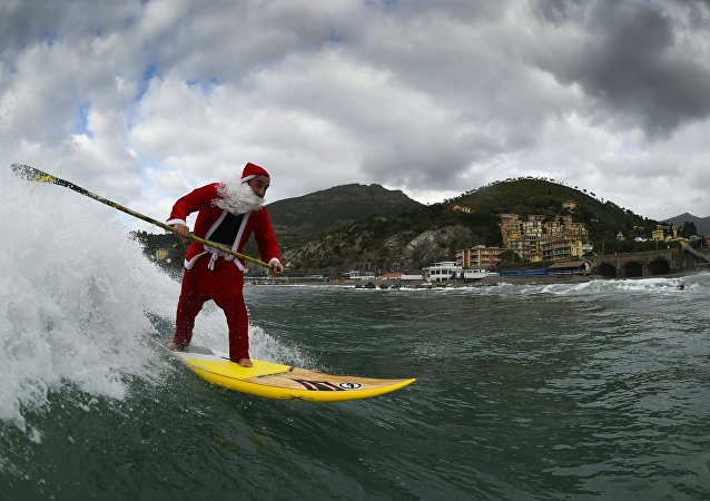 Ho-Ho-Ho! Santas Running All Over the World for Charity