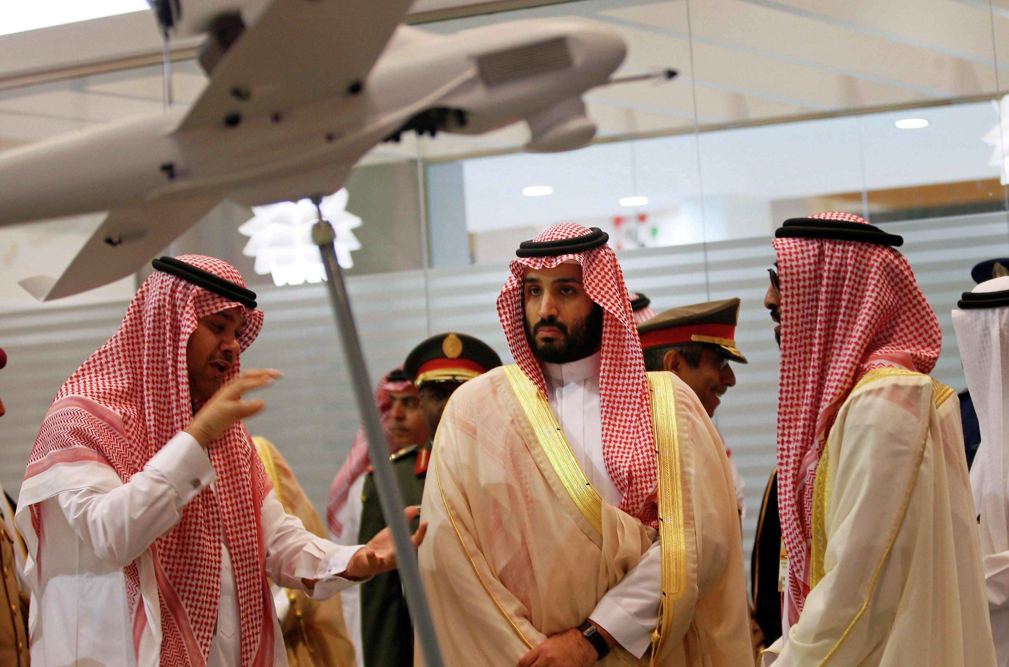 Saudi Defence Minister, Prince Mohammad bin Salman (C), visits the International Defence Exhibition and Conference (IDEX) in Abu Dhabi February 22, 2015.