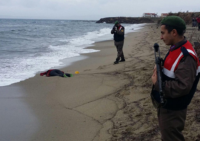 Migrant washed up on Turkey shore