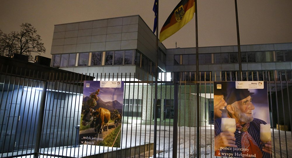 The German embassy building is seen in Warsaw, Poland January 10, 2016. Poland's foreign minister on Sunday summoned the German ambassador to a meeting over what his department called anti-Polish comments by German politicians, the conservative Warsaw government's latest broadside at Berlin