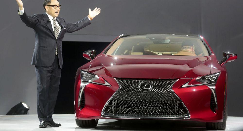 Презентация автомобиля Lexus LC 500 на автосалоне в Детройте