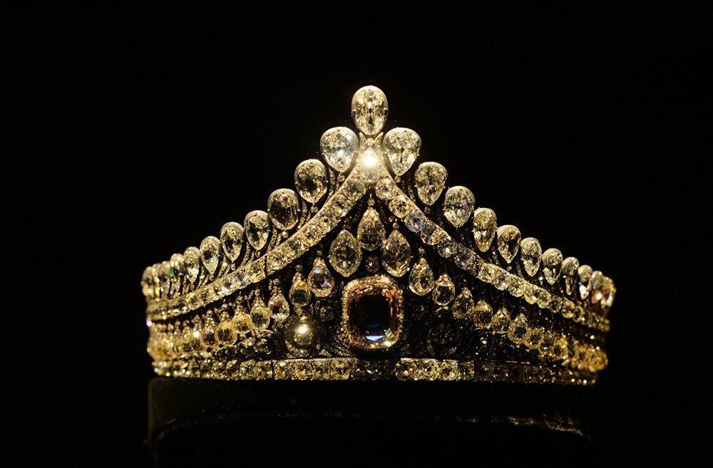 Diamond Fund: Splendid Luster and Dazzling Glory of Russian History