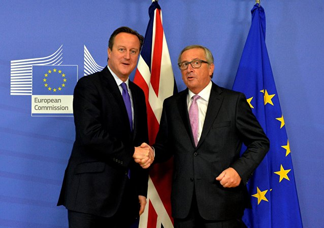 UK Prime Minister David Cameron meets the European Commission President Jean-Claude Juncker in Brussels, 2015.