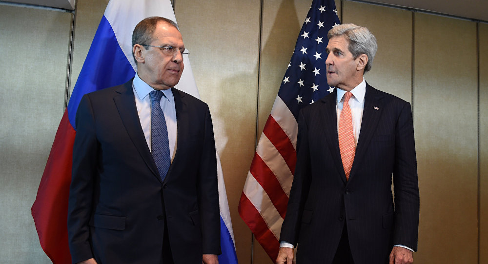 Russian Foreign Minister Sergei Lavrov (L) and US Secretary of States John Kerry meet for diplomatic talks on February 11, 2016 in Munich, southern Germany