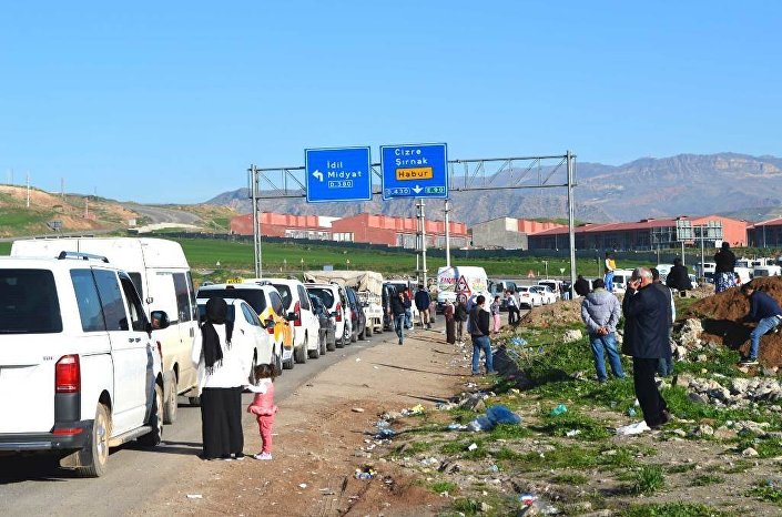 Due to bolstered security measures and strict police control, giant traffic jams occurred on the roads leading to Cizre. The curfew will operate from 7:30 p.m. to 5:00 a.m. until a new warning is issued.