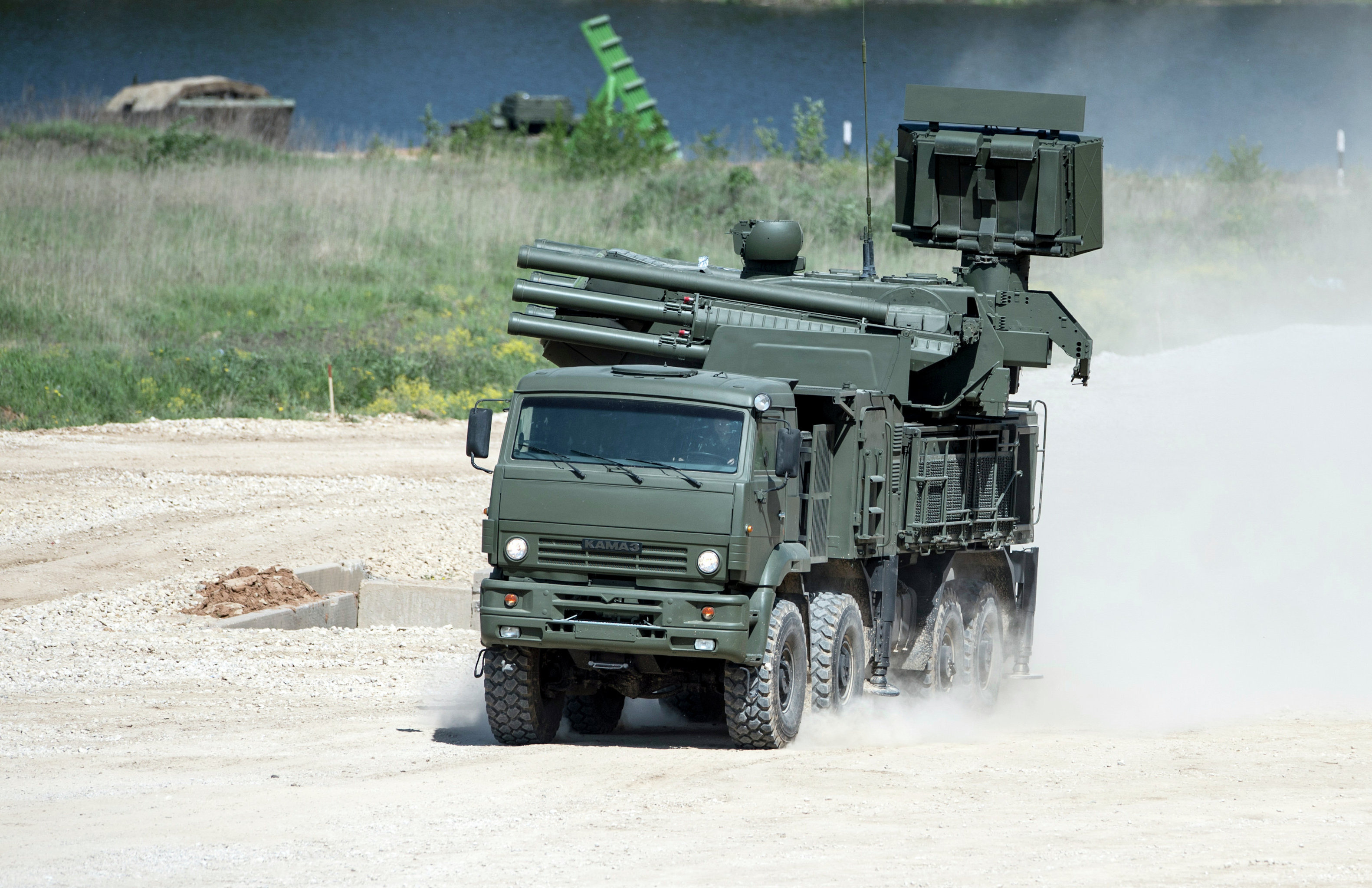 A KAMAZ-6560 truck with a Pantsir-S antiaircraft gun / surface-to-air missile system. File photo