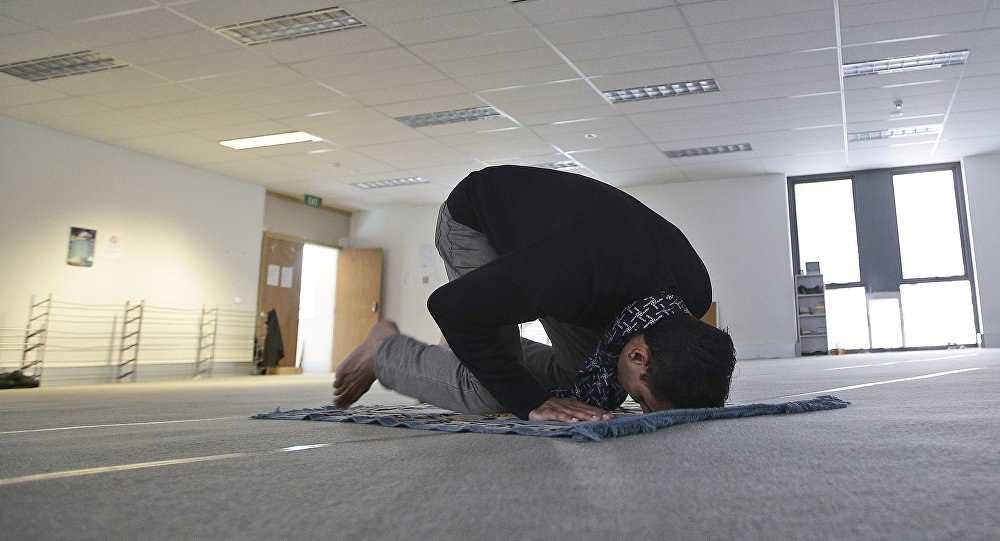 german universities close down muslim prayer rooms on campus
