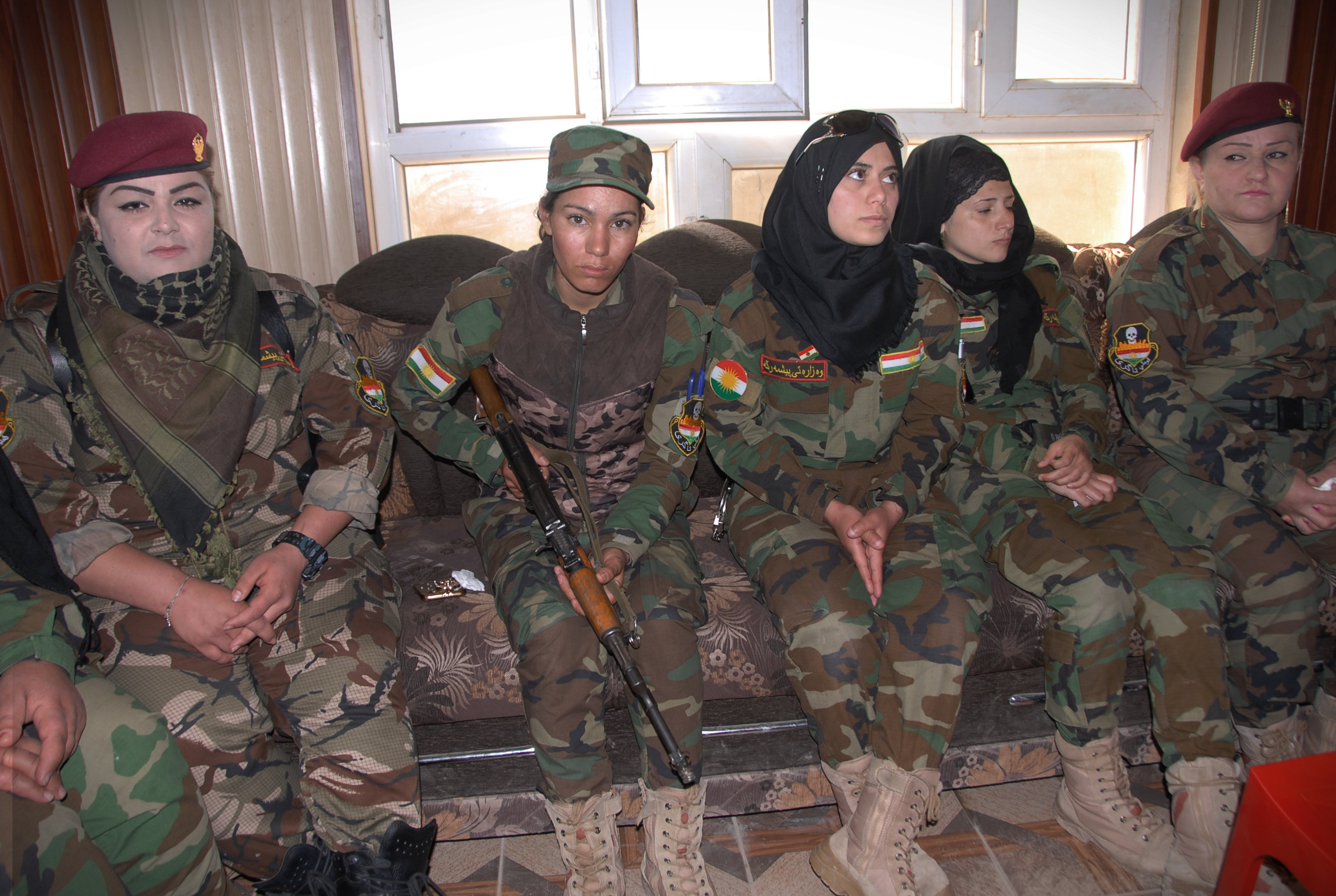 Women on the Warpath: Female Peshmerga Fighters Pledge to ...