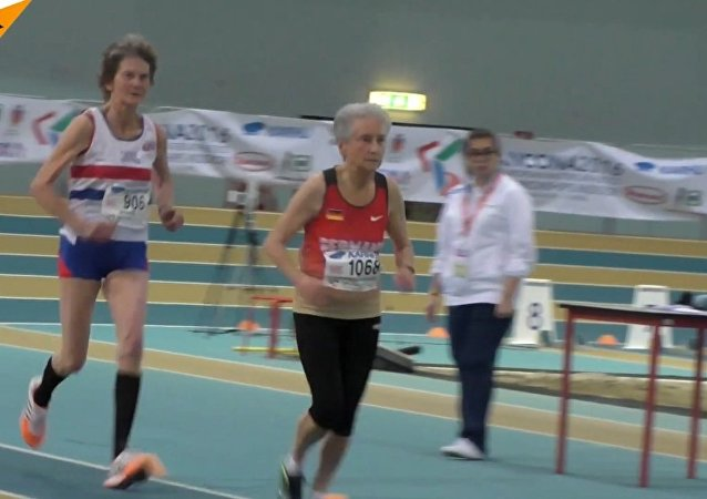 80 and 86 Year Old Runners Take Part in 800m Race