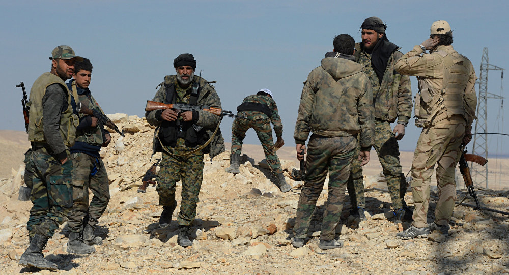 Syrian government army and militia on the fringes of Al Qaryatayn