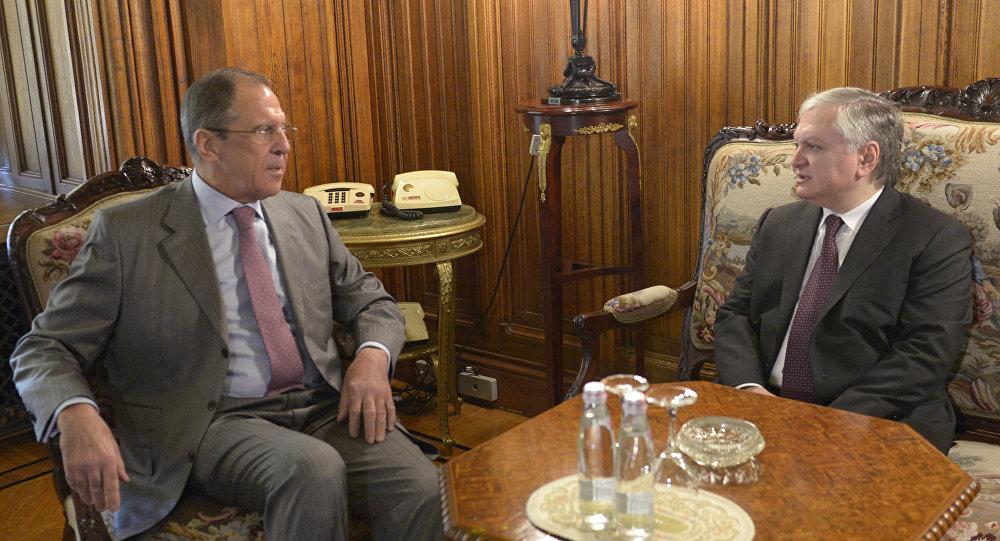 Sergei Ivanov meets with Edward Nalbandyan (File)