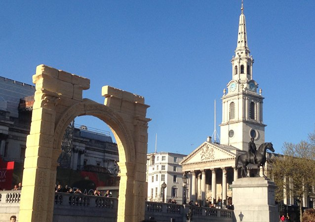 Palmyra's Arch of Triumph recreated in London's Trafalgar Square.