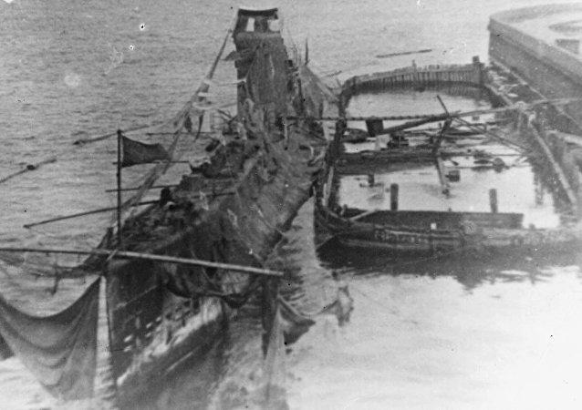 Shch-408 Schuka submarine in Kronstadt, 1943