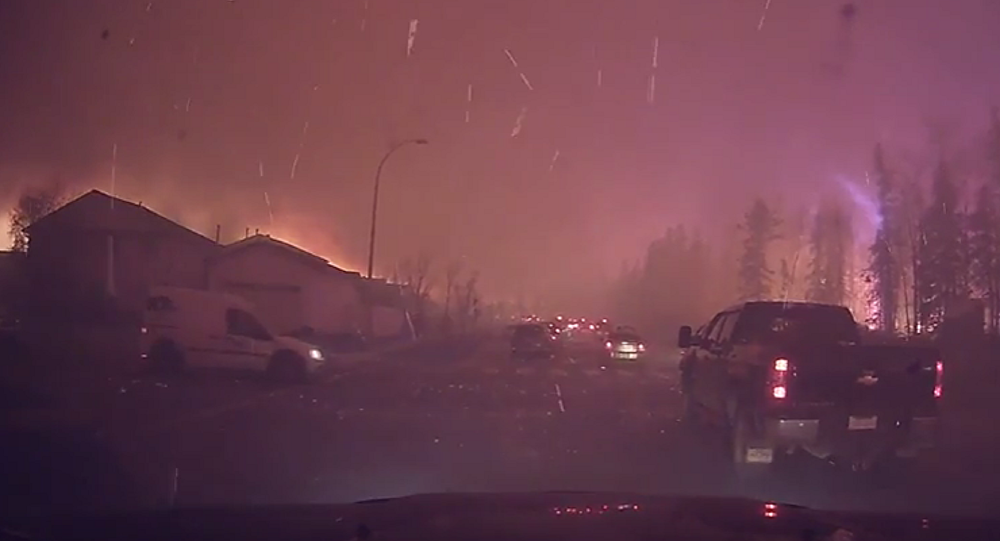Canada Can't Stop Enormous Wildfires Burning Down Towns Across Alberta