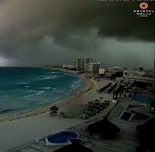 Shelf cloud over Cancun, Mexico