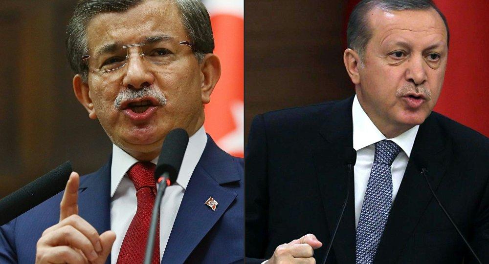 Ahmet Davutoglu and Recep Tayyip Erdogan. file photo