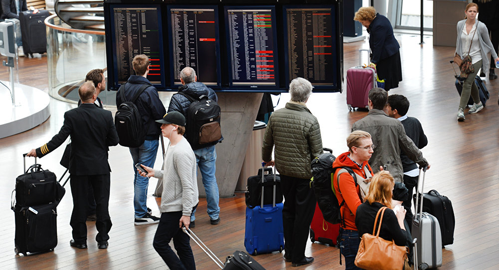 No flights could take off from Arlanda airport due to a computer problem which led to the closure of Stockholm airspace (File)
