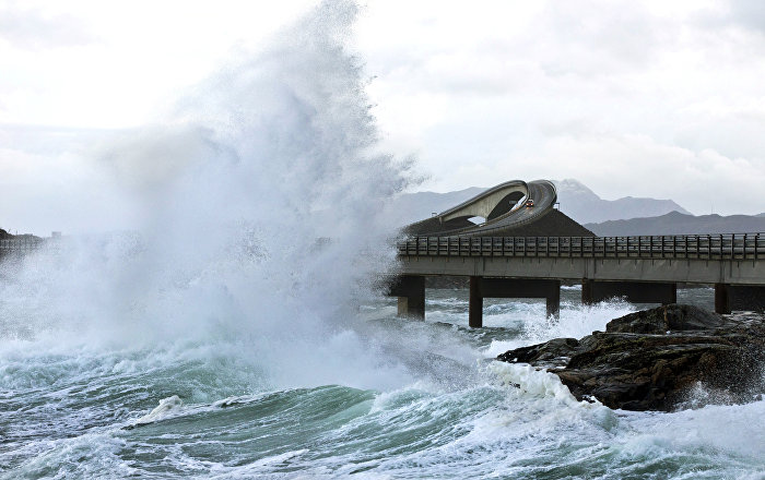 another-ship-stranded-off-norwegian-coast-after-engine-stalls-in-storm-(photos)