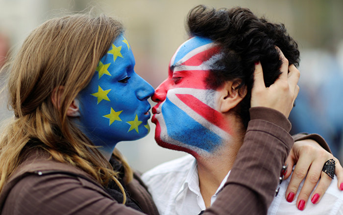eu-citizens-need-to-feel-pressure-to-register-for-settled-status-sajid-javid