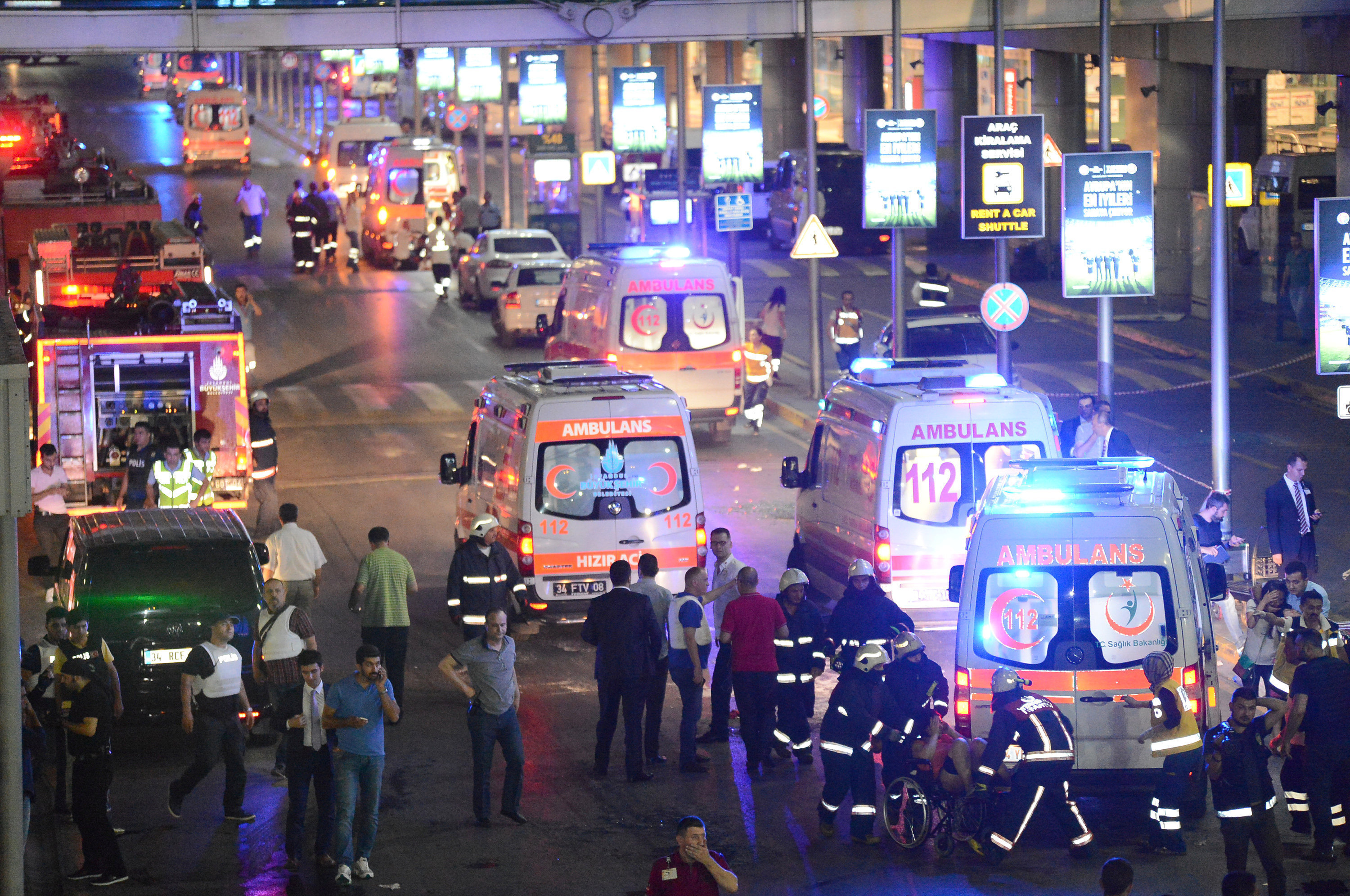 Paramedics help casualties outside Turkey's largest airport, Istanbul Ataturk, Turkey, following a gun and bomb attack allegedly perpetrated by the Daesh terrorist group, June 28, 2016.