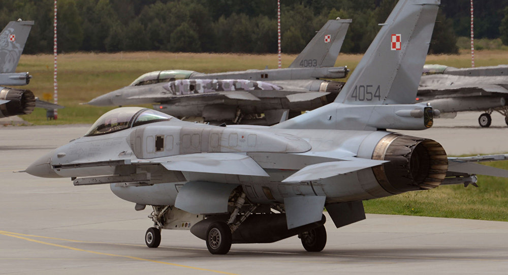 Polish F-16 fighter jets